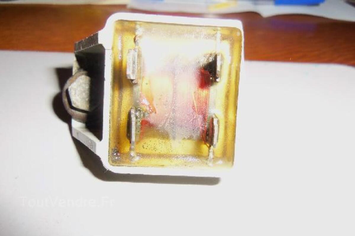1 centrale d'eclairage peugeot 103 d'origine bon etat 93176124