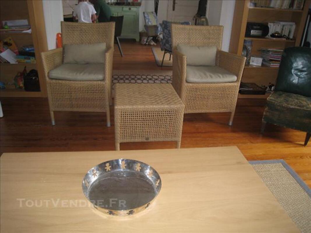 1 paire de fauteuils osier avec table assortie 82555895