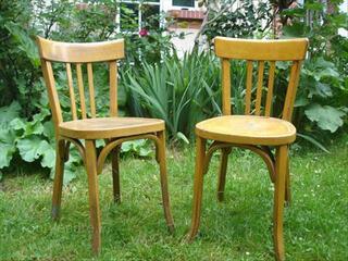 2 chaises en bois baumann