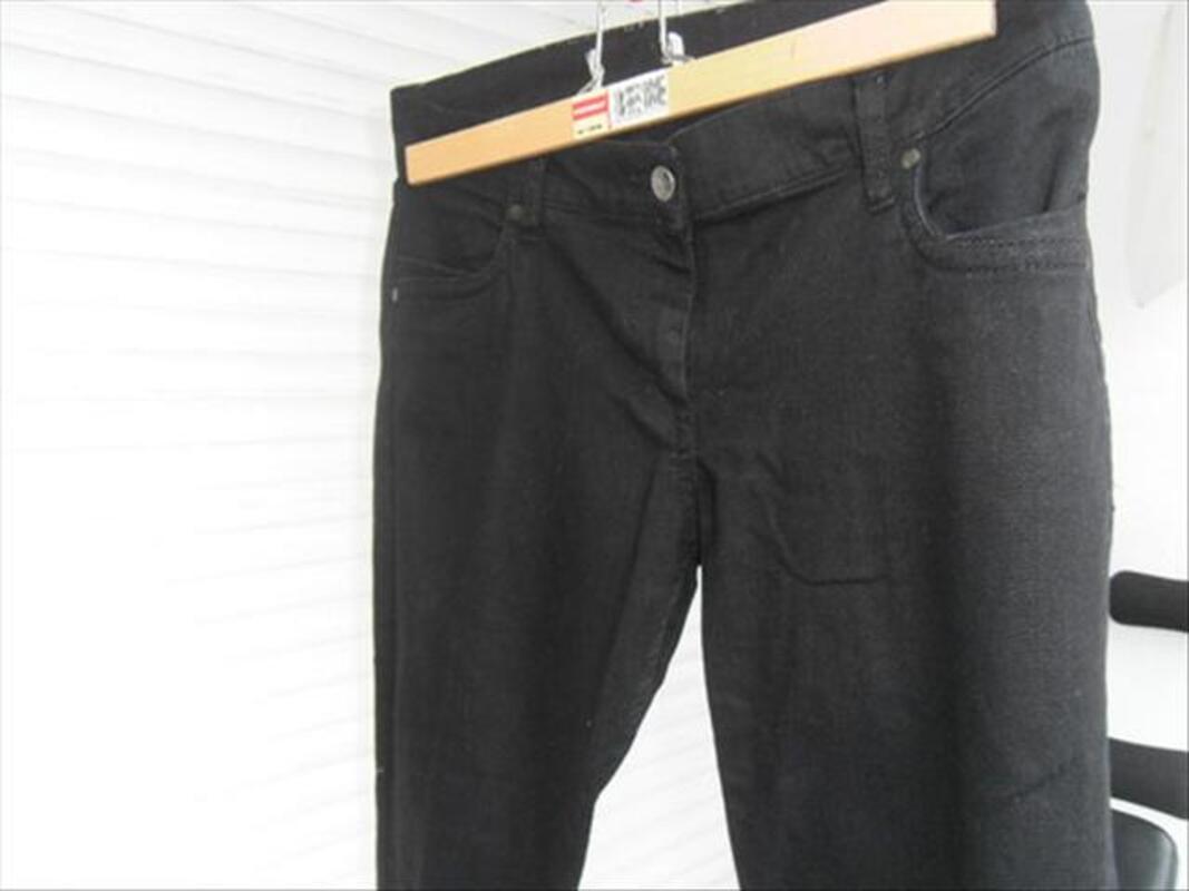 2 Jeans noir un Sqin H&M est un Etam noir 54691004