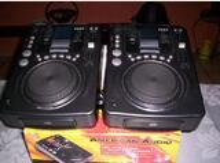 2 LECTEURS  CD à plat  PRO  CDI 300 MP3   ETAT NEUF