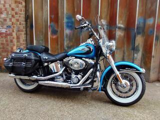 2011 Harley- Davidson FLSTC Heritage Softail Classic