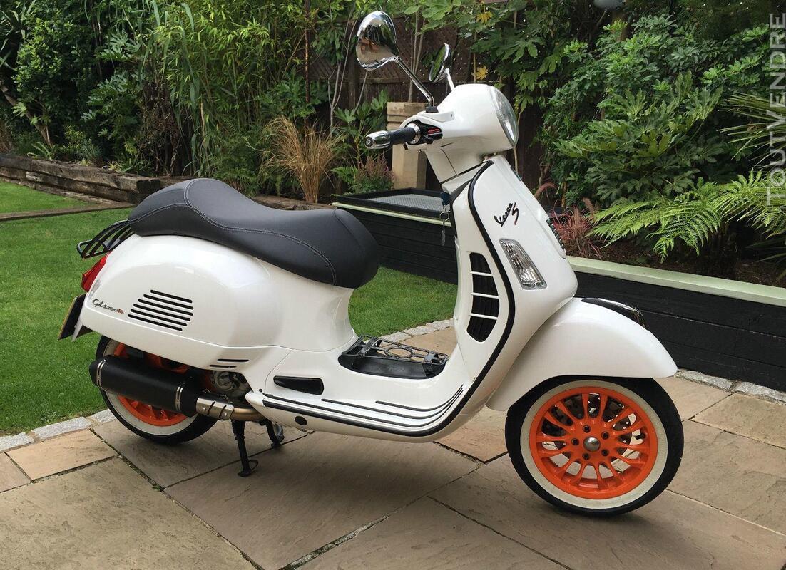 2012 Vespa GTS 300 217458758