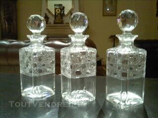 3.Carafes en Cristal finement ciselé  d'époque 1890
