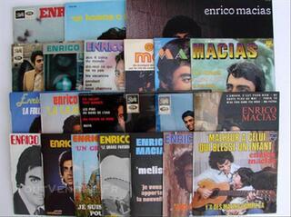 3 disques vinyle 33 t + 19 disques 45 t Enrico Macias