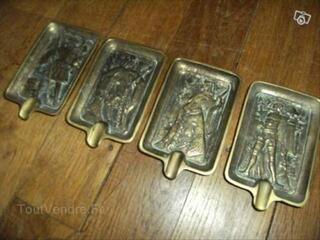 4 cendriers en bronze carte à jouer XVIe siècle