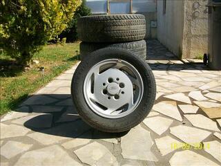 4 JANTES 13  ford XR2I  & roue de secoure + les boulons