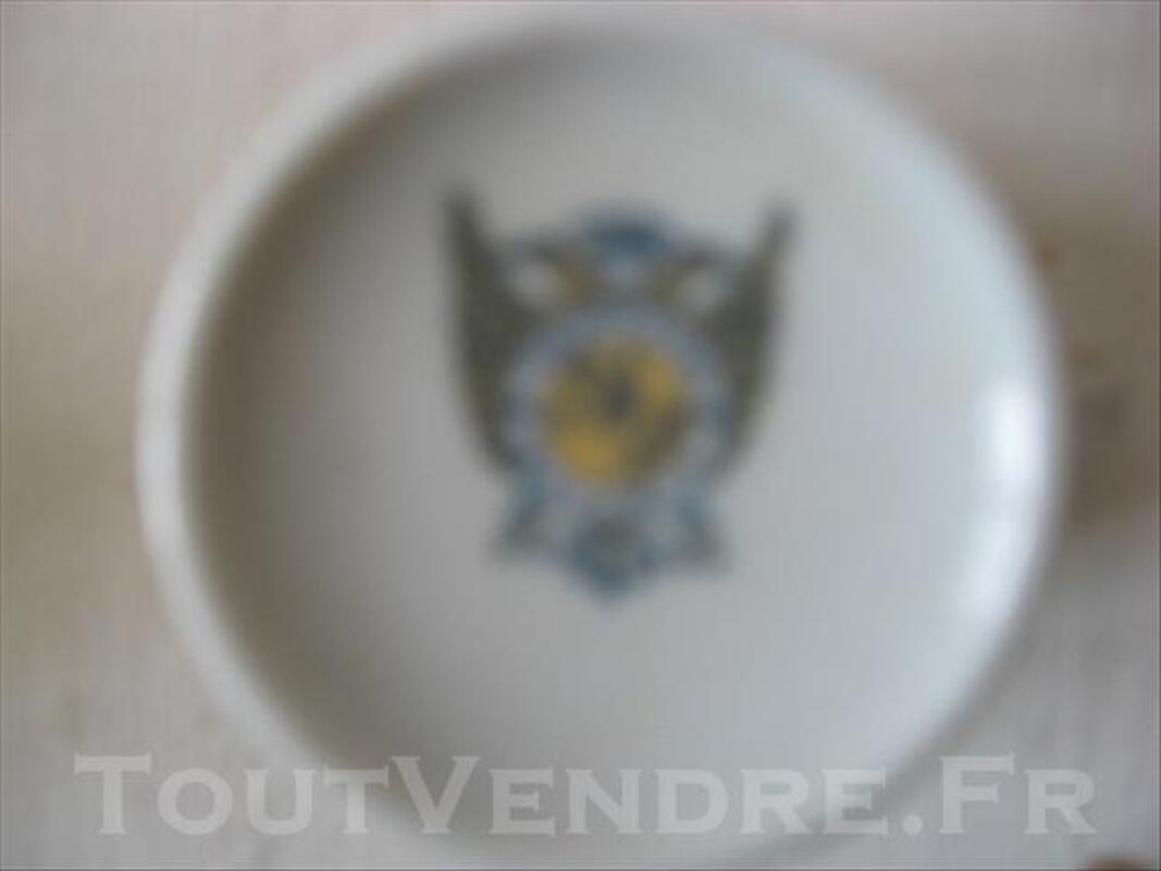 4 tasses et 6 sous-tasses en porcelaine de Bavière HERM 83089033