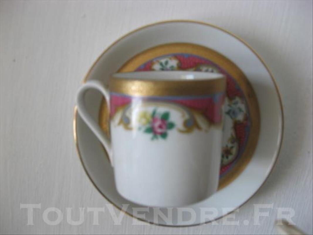 4 tasses et 6 sous-tasses en porcelaine de Bavière HERM 83089034