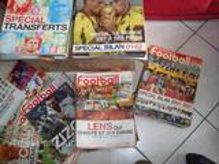 71 anciens numéros de France Football
