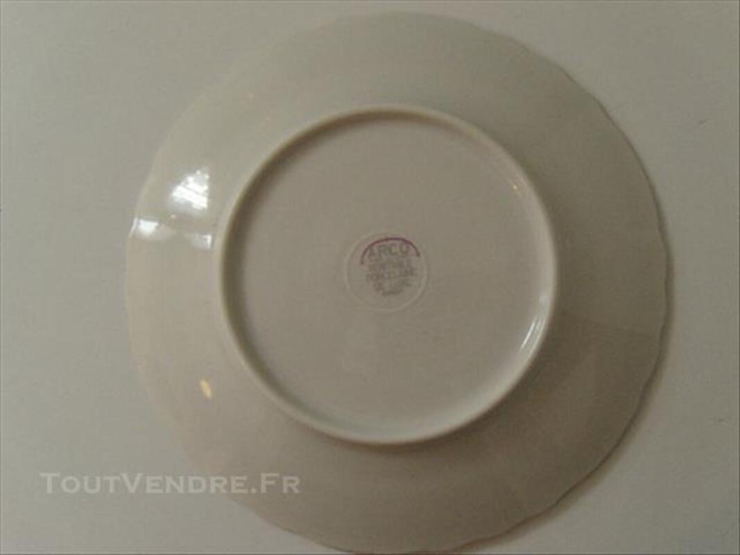 8 assiettes à dessert en porcelaine 85681204