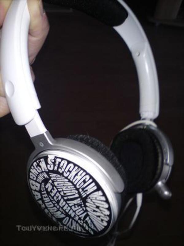 A saisir casque audio Philips réducteur de bruit blanc 43792574
