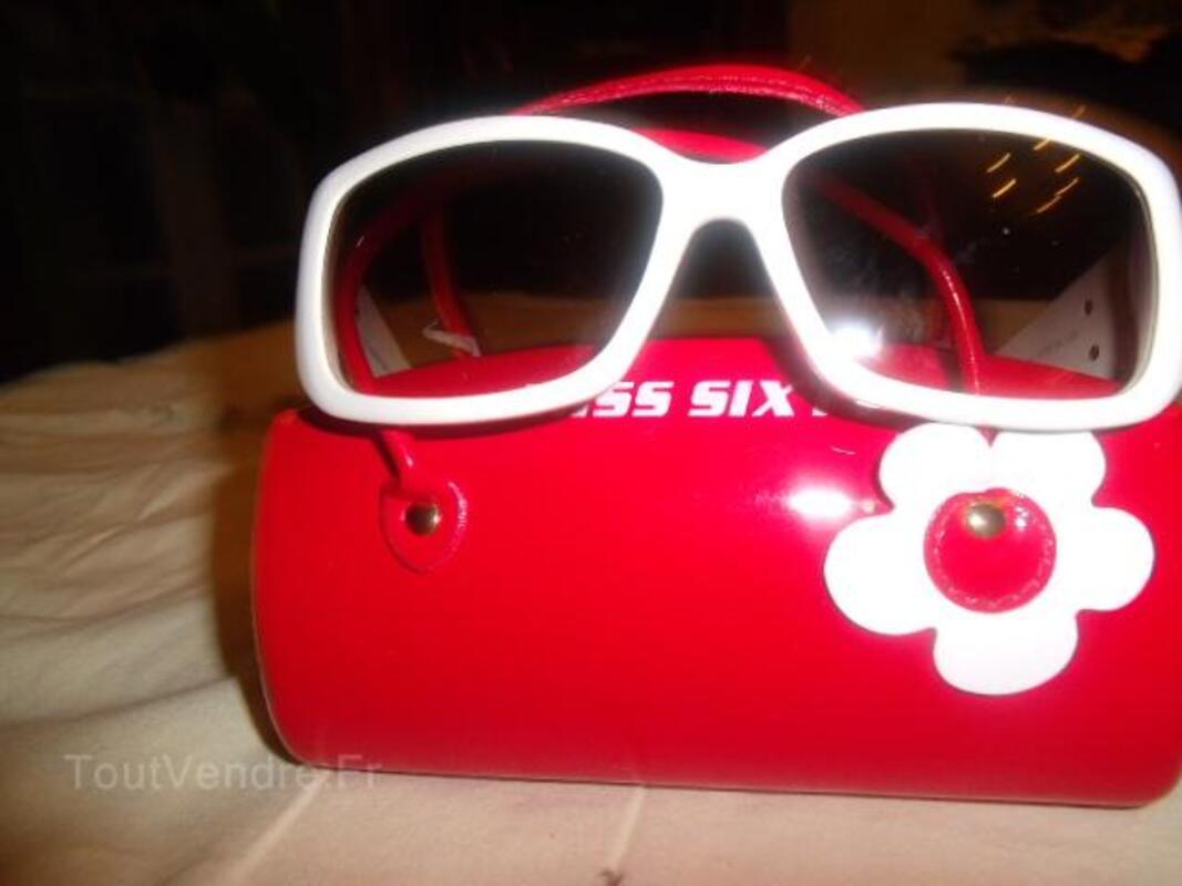 A saisir :lunettes miss sixtys blanches et noires 25821522