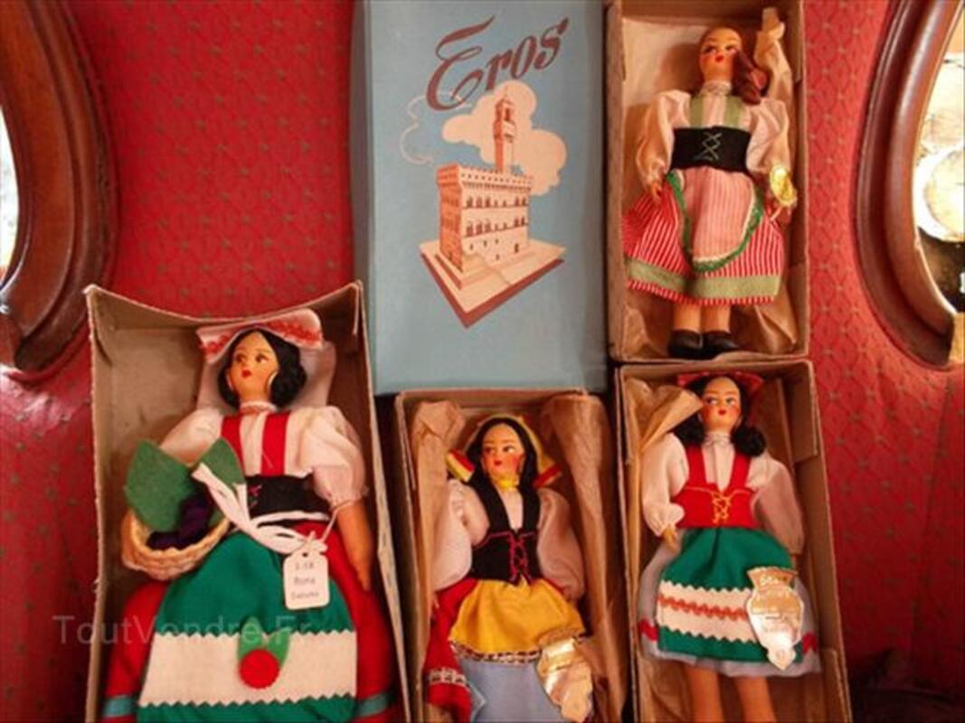 A vendre poupees folkloriques italie 56050582