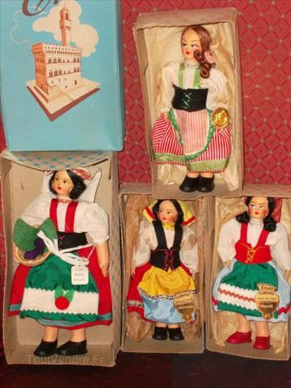 A vendre poupees folkloriques italie 56050583