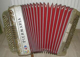 Accordéon chromatique PIERMARIA 4 rangs 120 basses