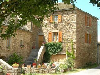 Agréable maison de campagne, 75 m2, 15 min de Rodez