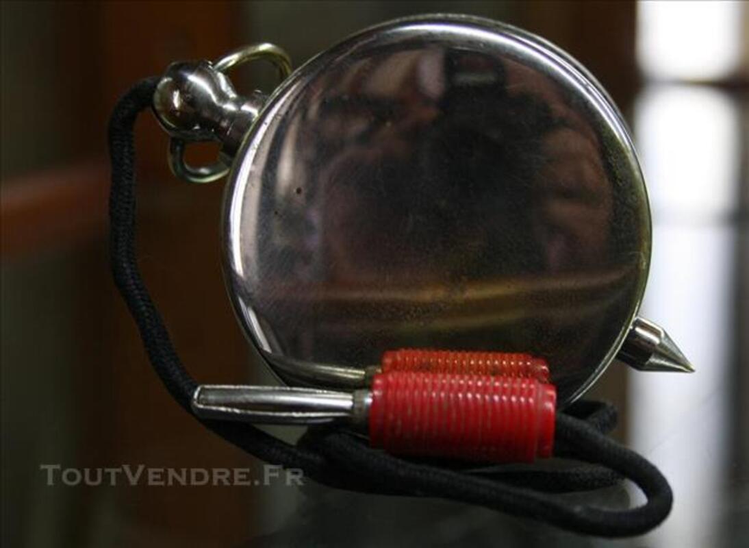 Ancien appareil de mesure électrique chromé voltemètre 120V 77258563