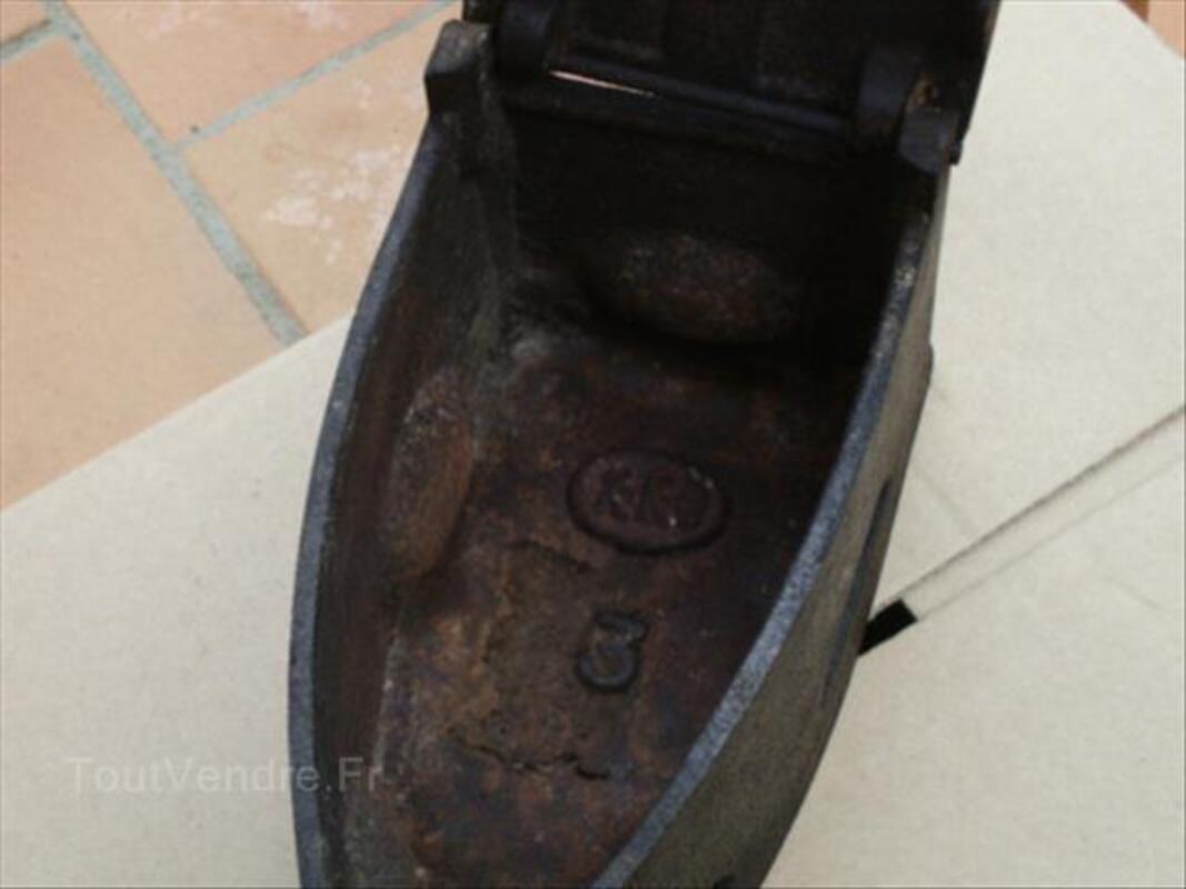 Ancien fer à braise 87343646