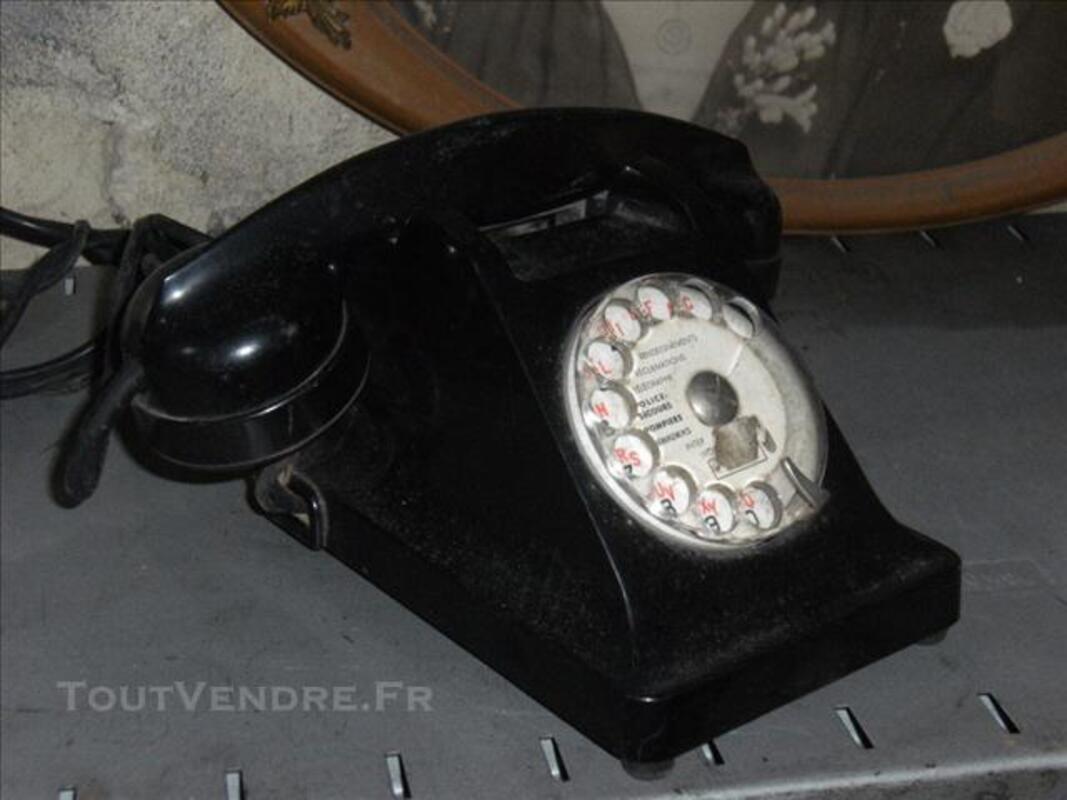 Ancien téléphone en bakélite 75712814