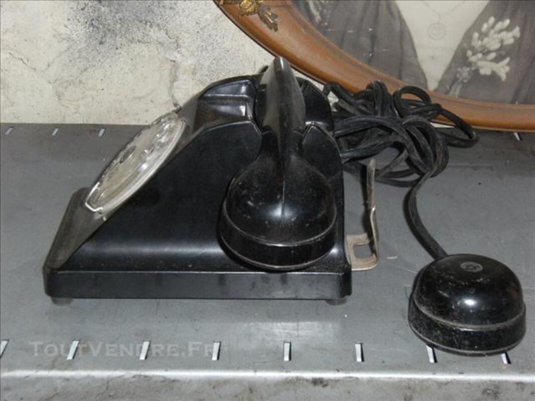 Ancien téléphone en bakélite 75712816