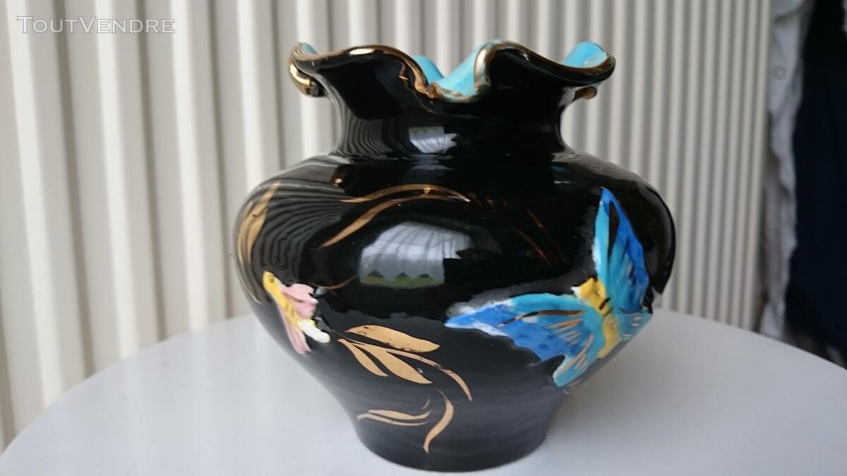 Ancien Vase noir et or décoré 126847536