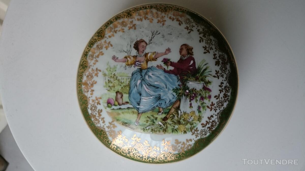 Ancienne Bonbonnière Watteau porcelaine très fine 126847532