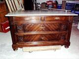 Ancienne commode + table Henry 4