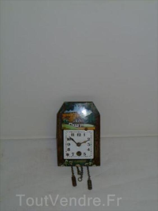 Ancienne Horloge Murale  Forêt Noire Emaillée 56470882