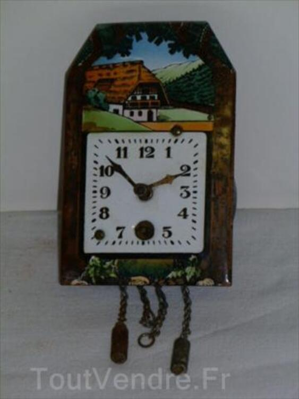 Ancienne Horloge Murale  Forêt Noire Emaillée 56470883