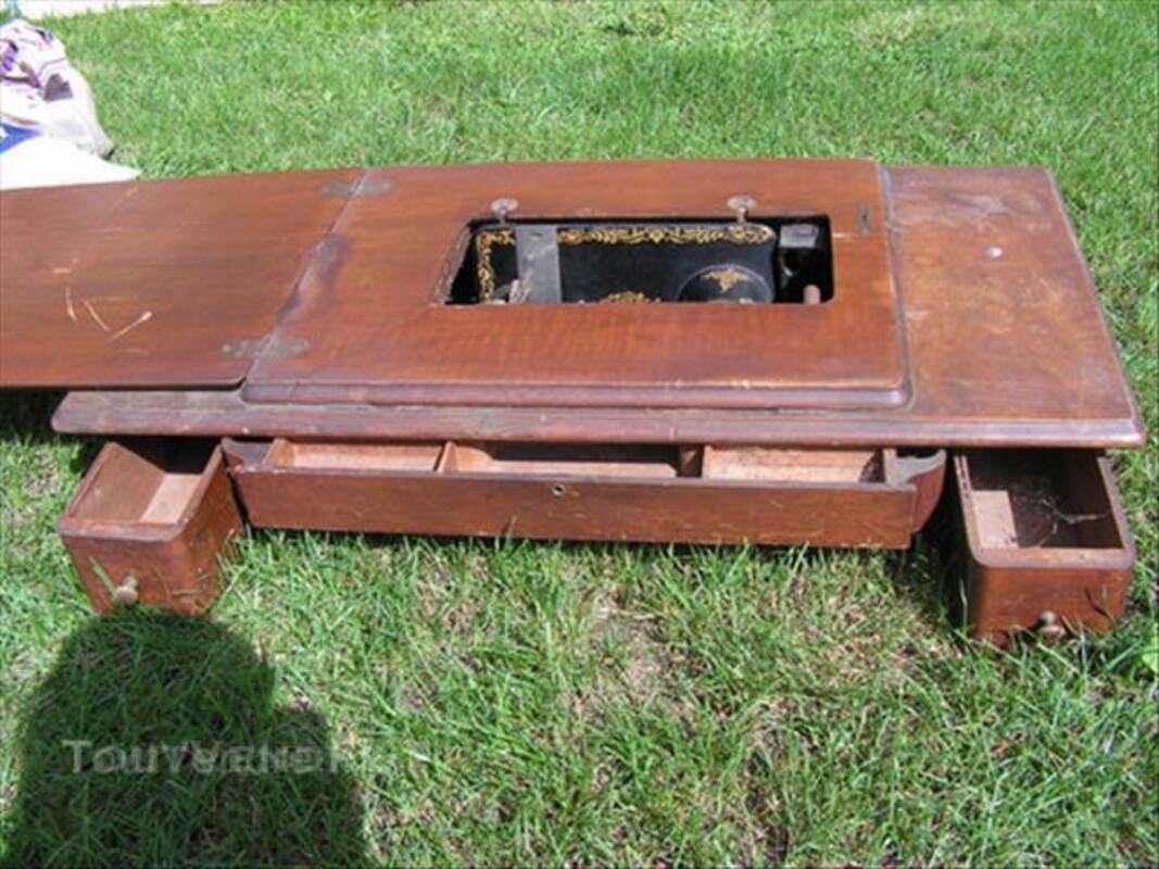 Ancienne machine à coudre singer 45535872
