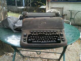 Ancienne machine à écrire.