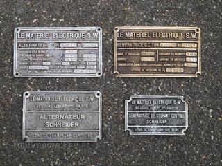 Ancienne plaque Machine Industrielle Meuble de Metier
