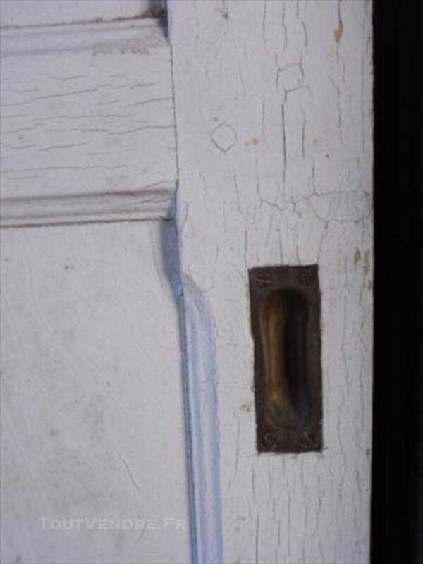 Ancienne porte coulissante en chêne avec ses poignées 84751512