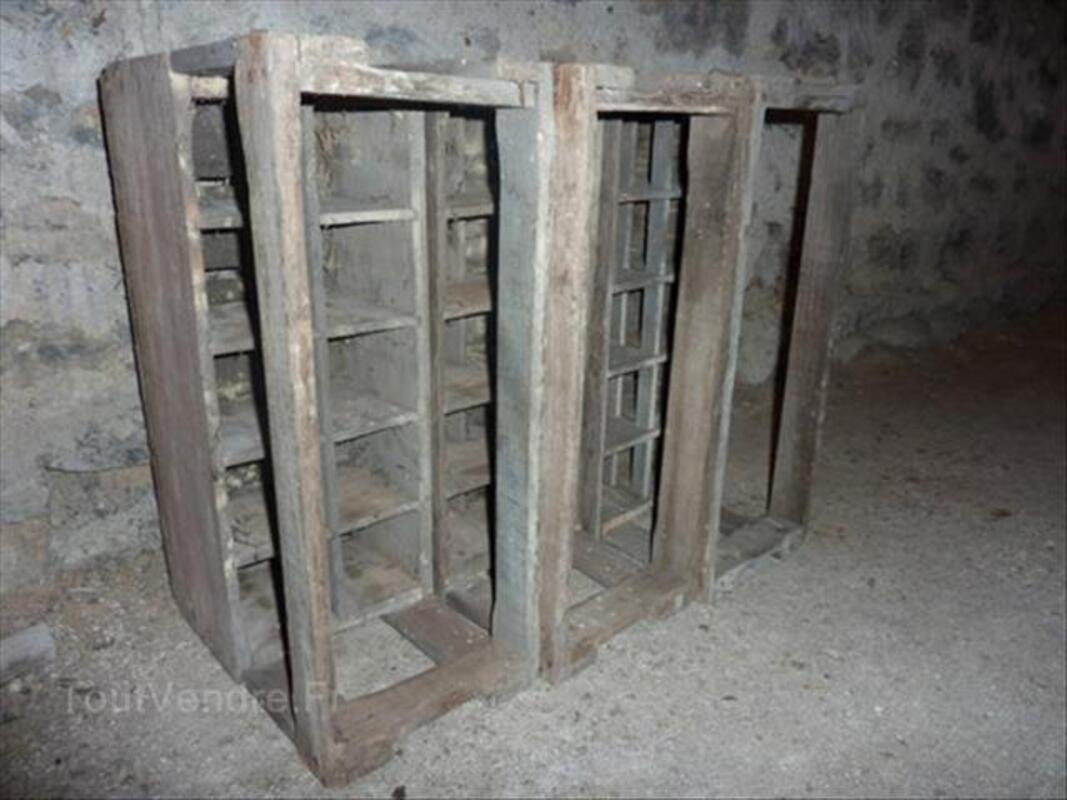 Anciens casiers à bouteilles 56132136