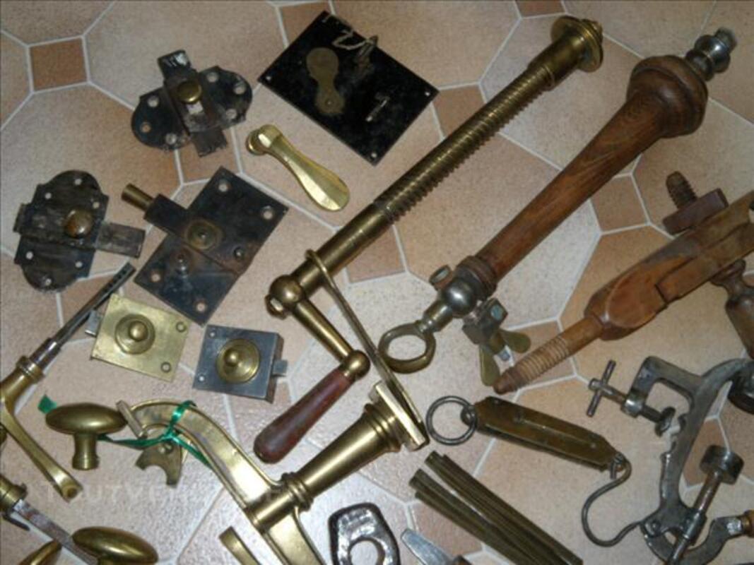 Anciens outils et objets divers métiers 76616740