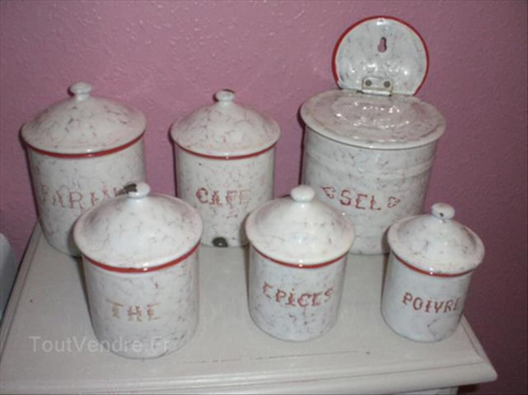 Anciens Pots à Epices + Boîte à Sel en  Tôle Emaillée 89163496