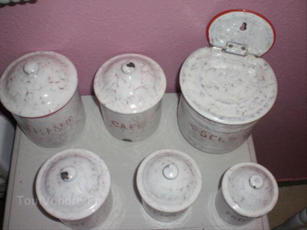 Anciens Pots à Epices + Boîte à Sel en  Tôle Emaillée 89163497