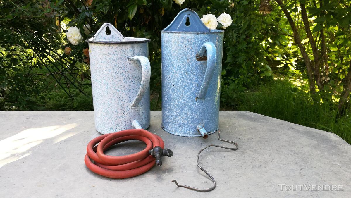 Anciens Pots à lavement émaillés 518698088