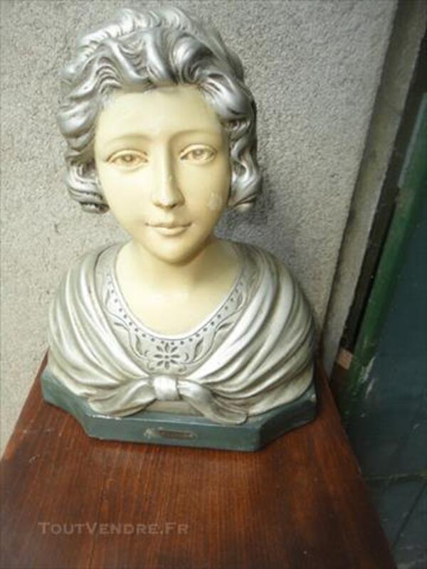 Antiquité - Buste de femme en platre 77270546