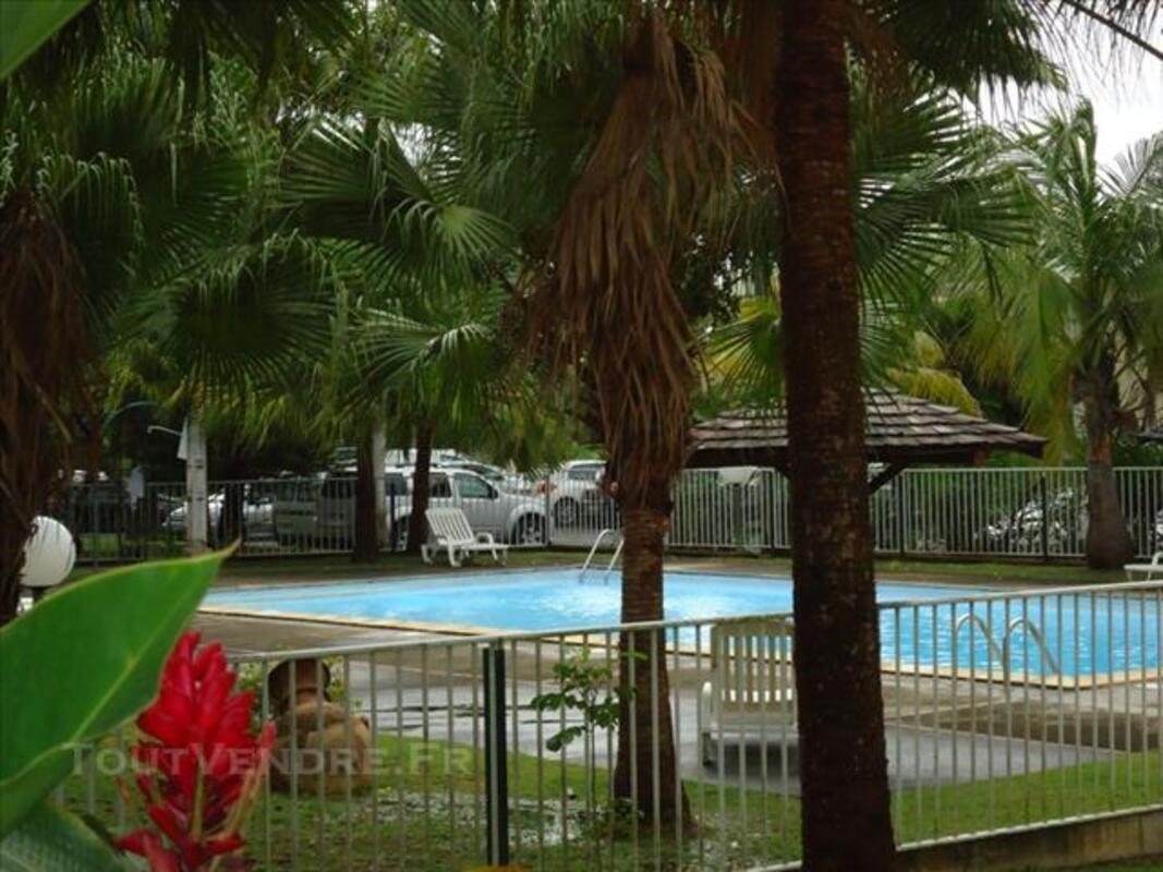 Appt T3 à louer ds résidence privée, avec piscine et tennis. 81190713