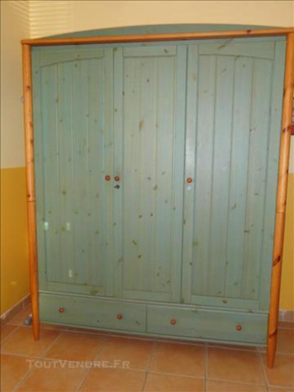 Armoire pin vert 3 portes 2 tiroirs 84643253