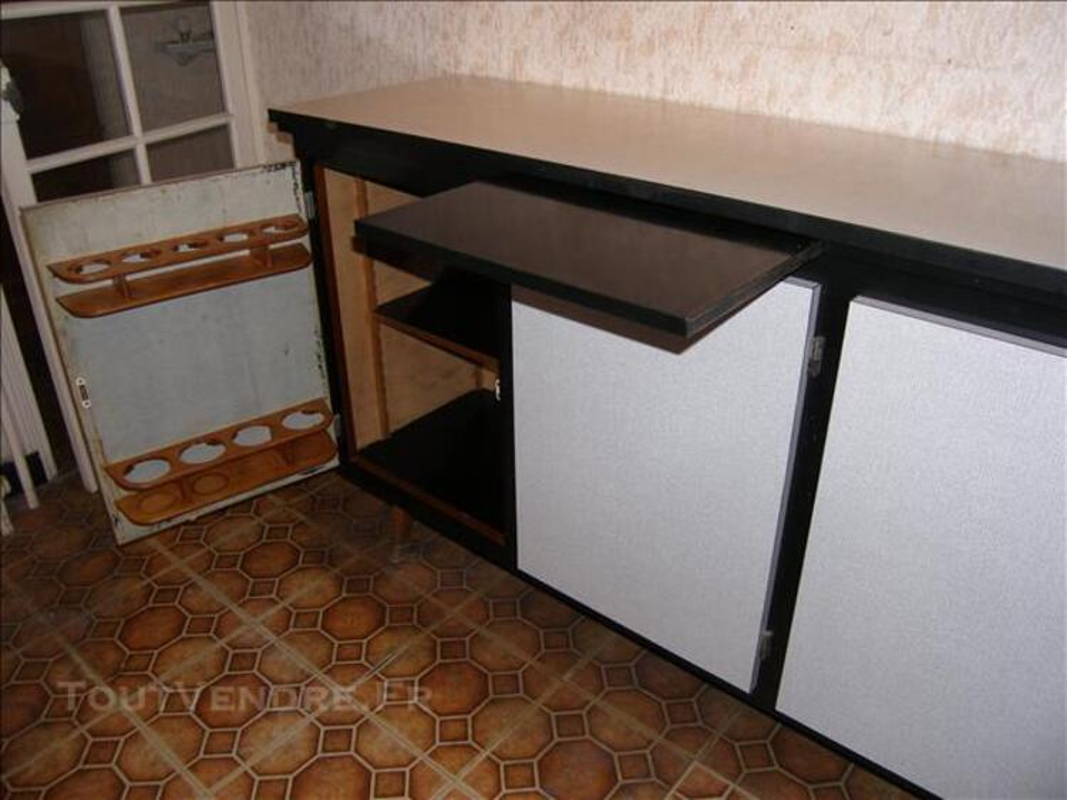 Bahut formica, fabrication artisanale 83567423