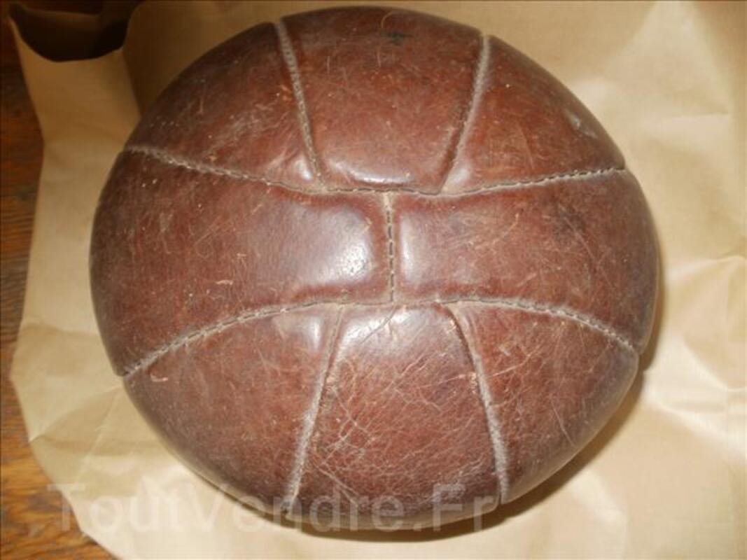 Ballon cuir ancien 96748782