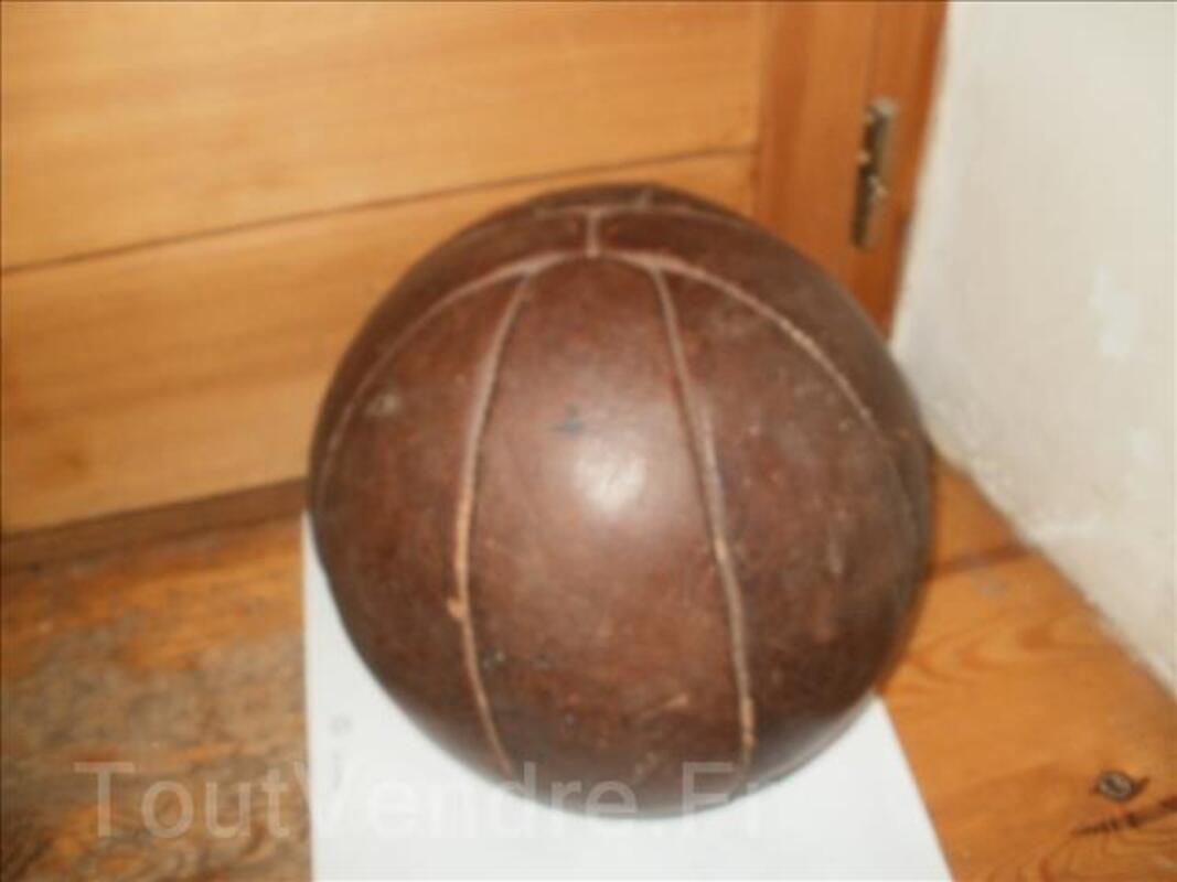 Ballon cuir ancien 96748783