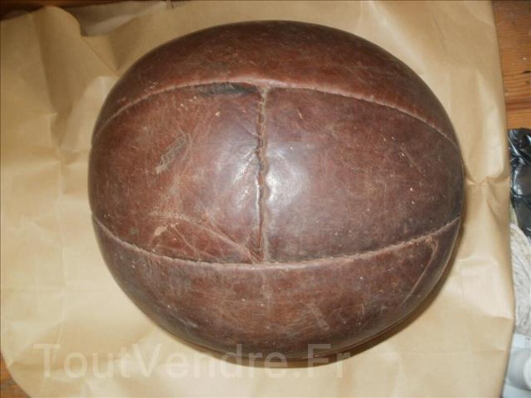 Ballon cuir ancien 96748784
