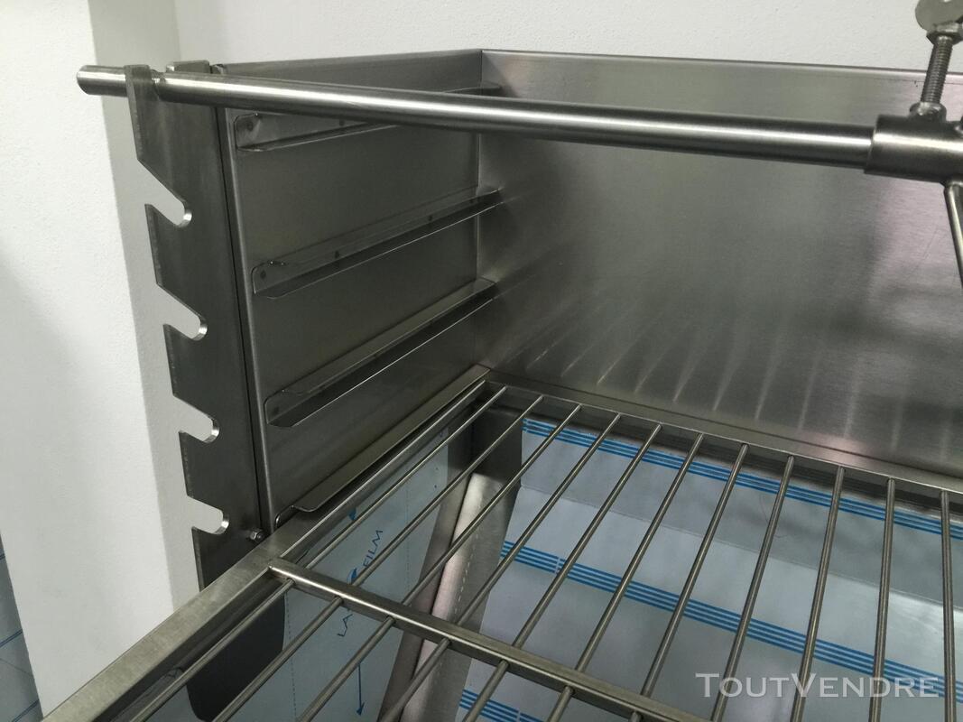 Barbecue de foire à Charbon pour Jambon et grillé 381749511
