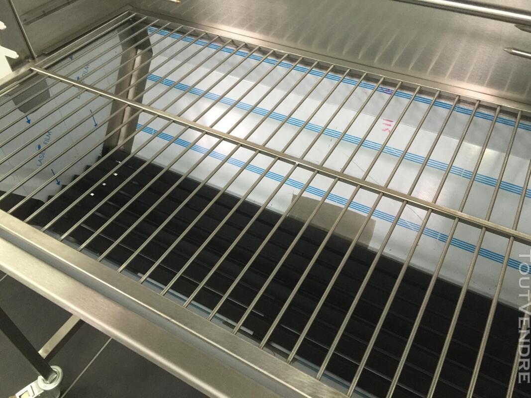 Barbecue de foire à Charbon pour Jambon et grillé 381749673