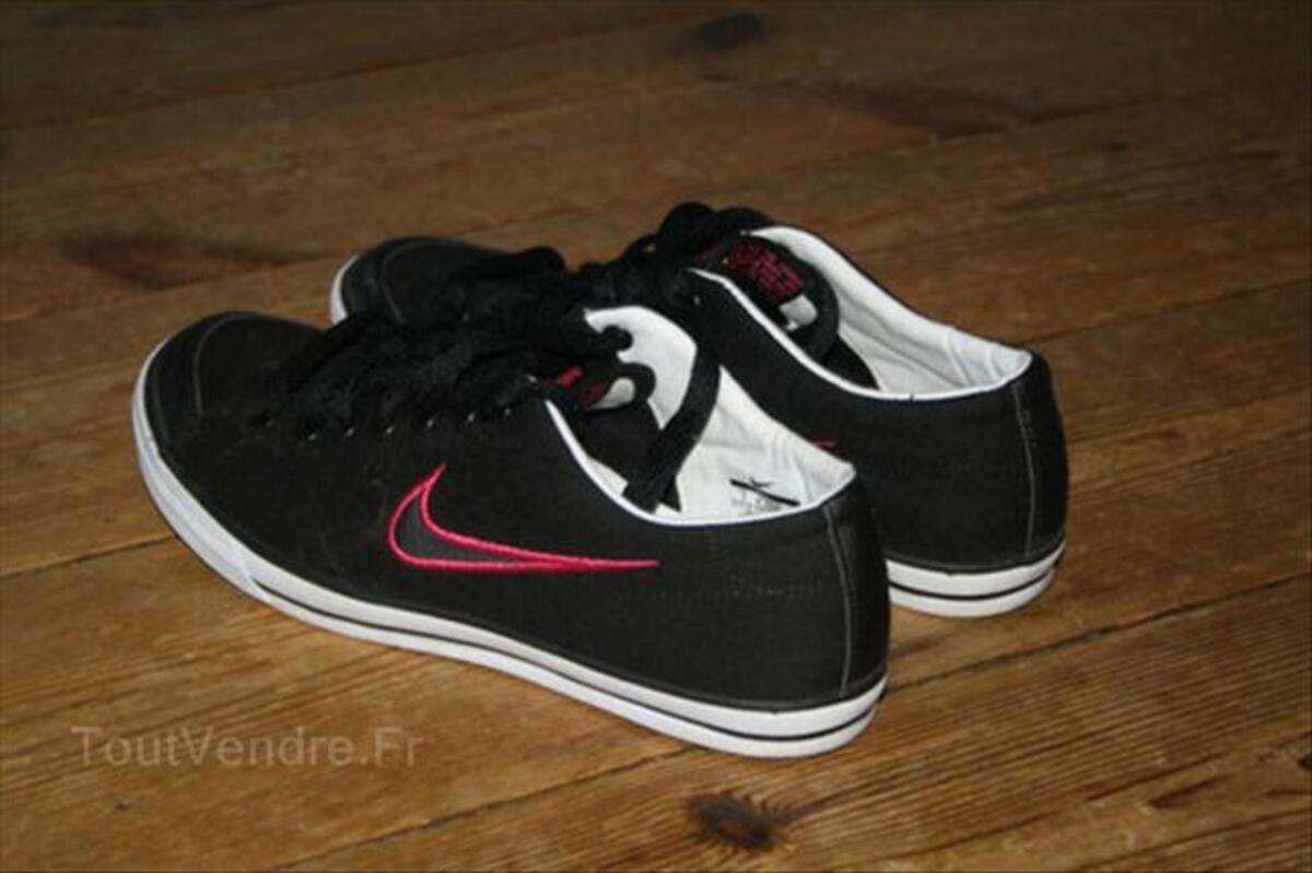 Baskets Nike Femme Noir et Rose taille 38 54633660