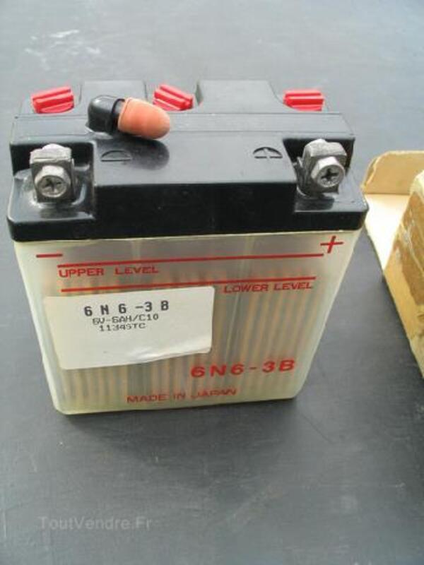 Batterie moto 6N6-3B 6V 6AH Peugeot SX8 93800879